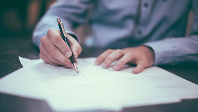 Vertrag Vertragsunterschrift Transfer Wechsel