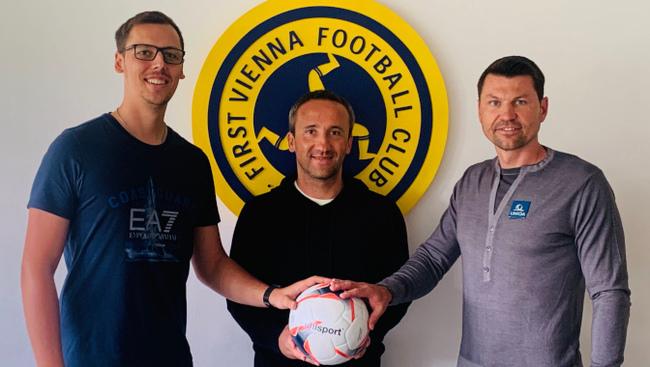 Trainer Alexander Zellhofer (links), Co-Trainer Martin Lang, Sportdirektor Markus Katzer (rechts) Vienna