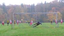 Ehrenhain siegt im Dauerregen-Derby gegen Altenburg