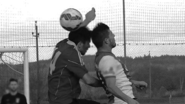 kopfball duell