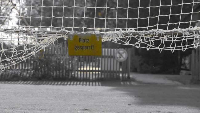 Verbot Fußball Training Trainingsverbot Platz gesperrt