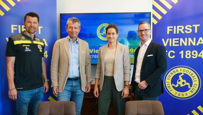 Vienna Sportdirektor Markus Katzer (links), Vienna-Vizepräsident Kurt Svoboda, Sportliche Leiterin Frauen Nina Burger, IMMOunited Owner & CEO Roland Schmid