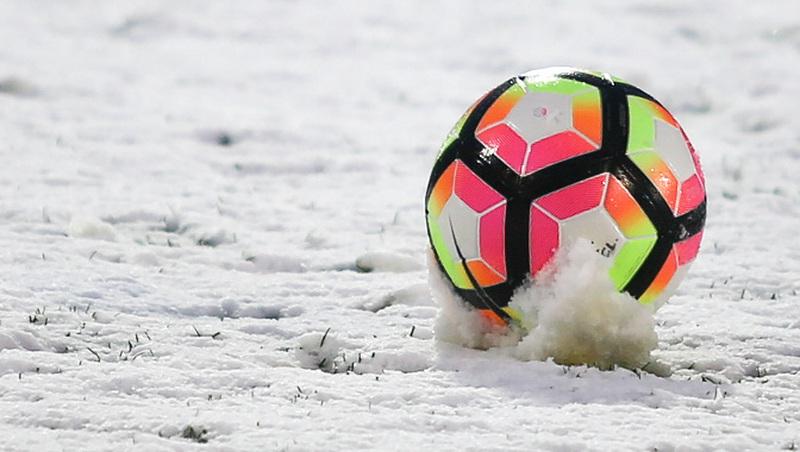 Schnee sorgt für Spielabbruch im Mai